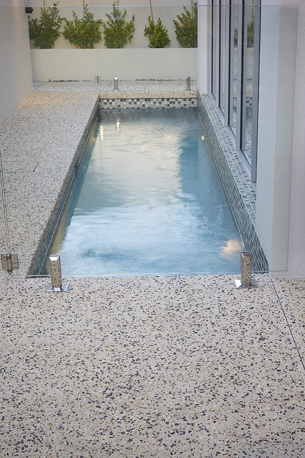 WA Exposed Concrete Pool Edging